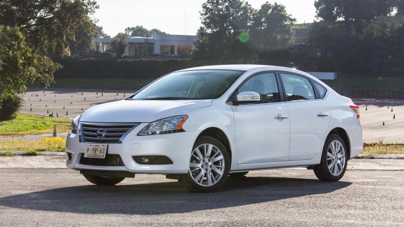 Mazda-3-2015-va-Nissan-Sentra-2