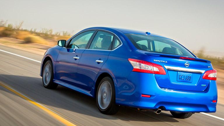 Mazda-3-2015-va-Nissan-Sentra-4