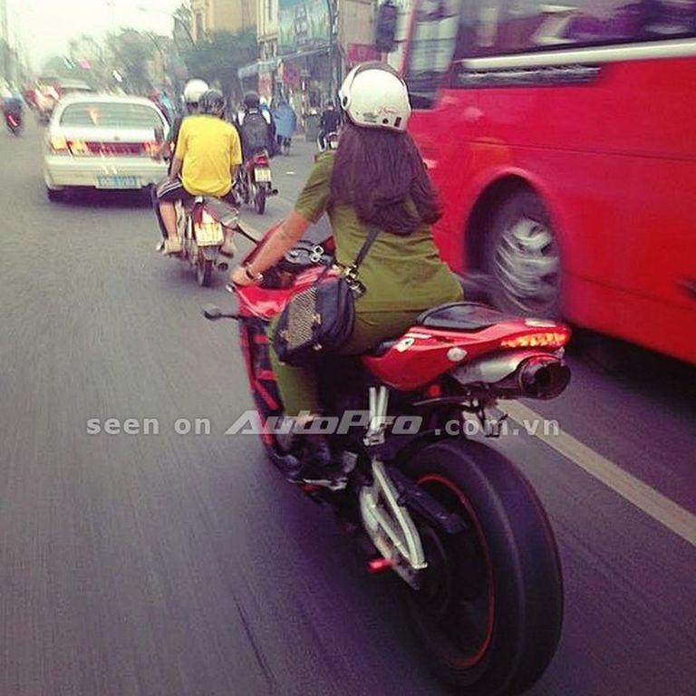 nu-biker-moto-6