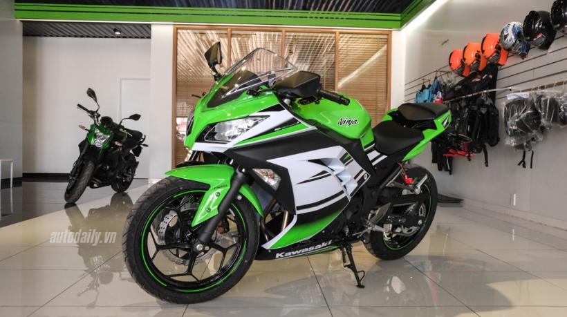 Kawasaki_Ninja-300_ABS-giam-gia-soc-1