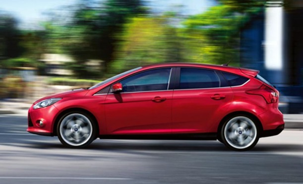 xe-mazda-3-hay-ford-focus-1