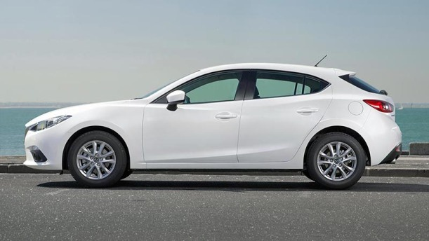 xe-mazda-3-hay-ford-focus-2