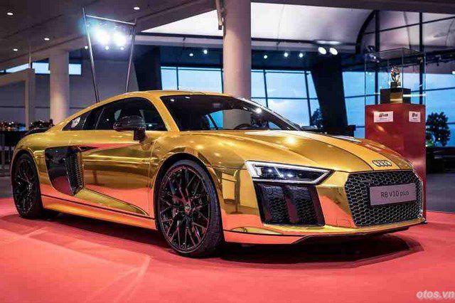 Cận cảnh xe Audi R8 V10 Plus phiên bản vàng