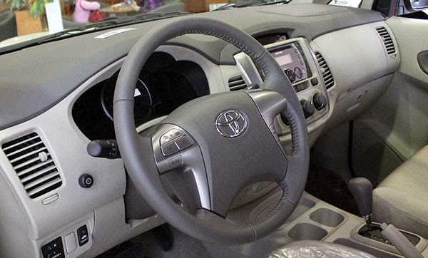 Toyota Innova E 2015 4